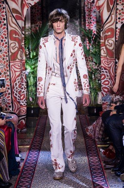 fsfwma11.11com-milan-fashion-week-s-s-2017-roberto-cavalli-lowres.jpg