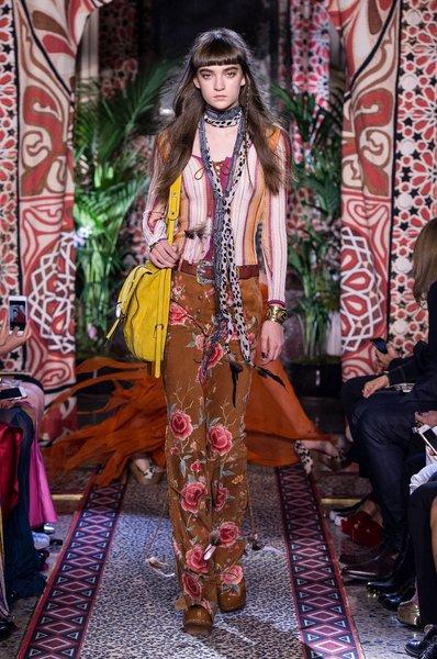 fsfwma11.30com-milan-fashion-week-s-s-2017-roberto-cavalli-lowres.jpg