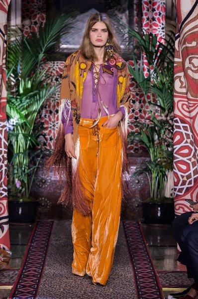 fsfwma11.32com-milan-fashion-week-s-s-2017-roberto-cavalli-lowres.jpg