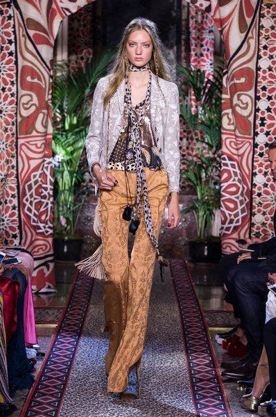 fsfwma11.44com-milan-fashion-week-s-s-2017-roberto-cavalli-lowres.jpg