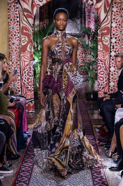 fsfwma11.45com-milan-fashion-week-s-s-2017-roberto-cavalli-lowres.jpg