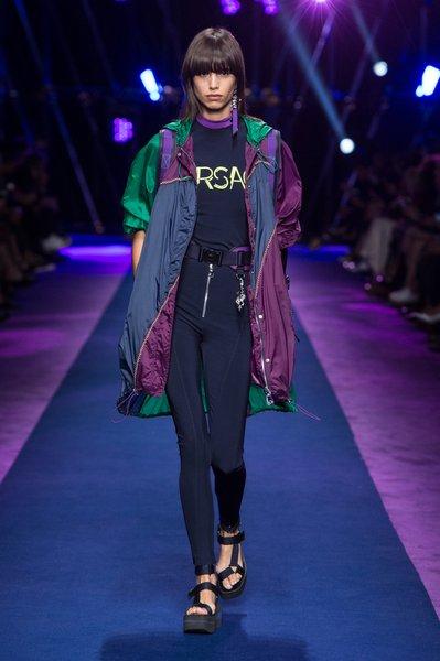 fsfwma12.03com-fashion-week-milan-ss-2017-versace-lowres.jpg