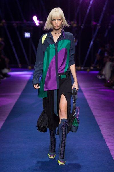 fsfwma12.08com-fashion-week-milan-ss-2017-versace-lowres.jpg