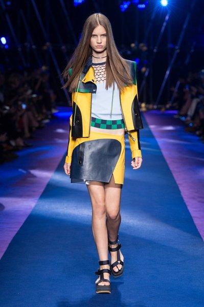 fsfwma12.13com-fashion-week-milan-ss-2017-versace-lowres.jpg