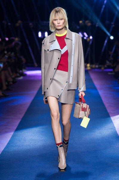 fsfwma12.22com-fashion-week-milan-ss-2017-versace-lowres.jpg