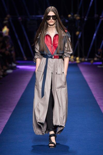 fsfwma12.26com-fashion-week-milan-ss-2017-versace-lowres.jpg