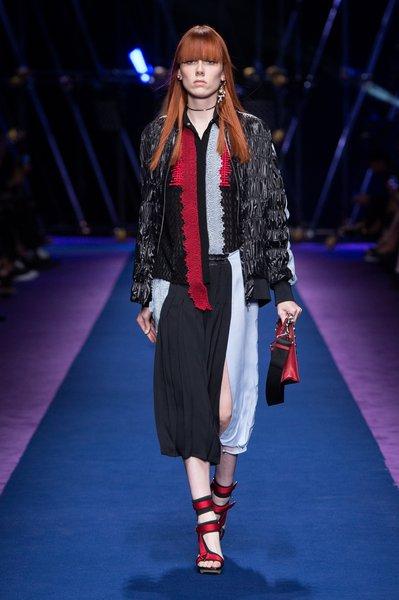 fsfwma12.37com-fashion-week-milan-ss-2017-versace-lowres.jpg