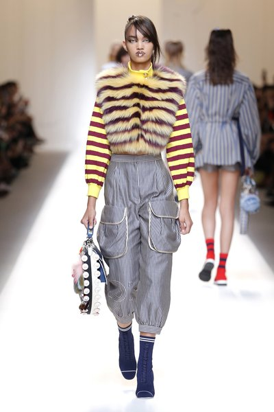 fsfwma13.06com-fashion-week-milan-ss-2017-fendi-lowres.jpg