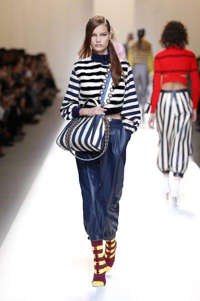 fsfwma13.09com-fashion-week-milan-ss-2017-fendi-lowres.jpg