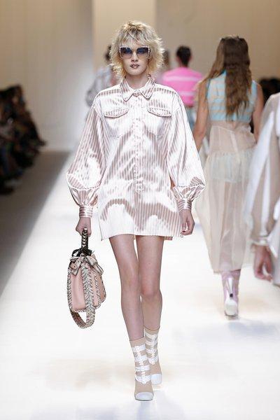 fsfwma13.14com-fashion-week-milan-ss-2017-fendi-lowres.jpg