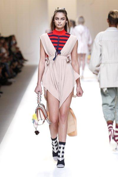 fsfwma13.17com-fashion-week-milan-ss-2017-fendi-lowres.jpg