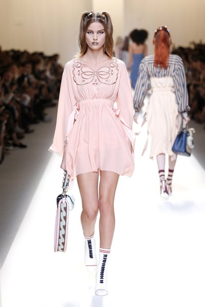 fsfwma13.23com-fashion-week-milan-ss-2017-fendi-lowres.jpg