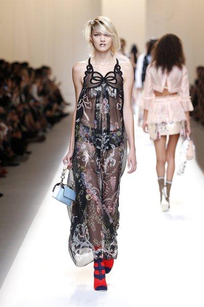 fsfwma13.35com-fashion-week-milan-ss-2017-fendi-lowres.jpg
