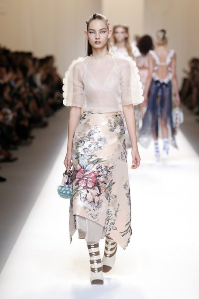 fsfwma13.36com-fashion-week-milan-ss-2017-fendi-lowres.jpg