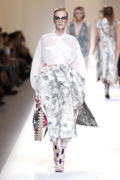fsfwma13.40com-fashion-week-milan-ss-2017-fendi-lowres.jpg