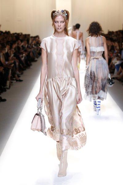 fsfwma13.51com-fashion-week-milan-ss-2017-fendi-lowres.jpg