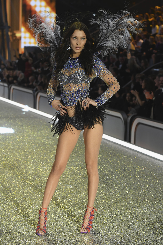 fashion-show-runway-2016-bright-night-angel-bella-look-4-victorias-secret-hi-res.jpg