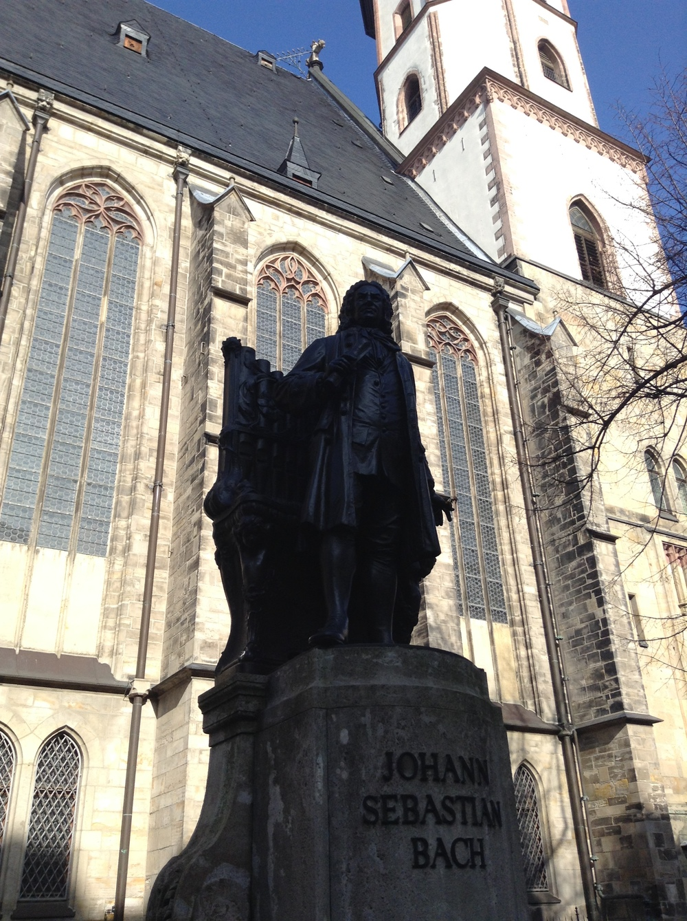 Bach's statue and the Thomaskirche