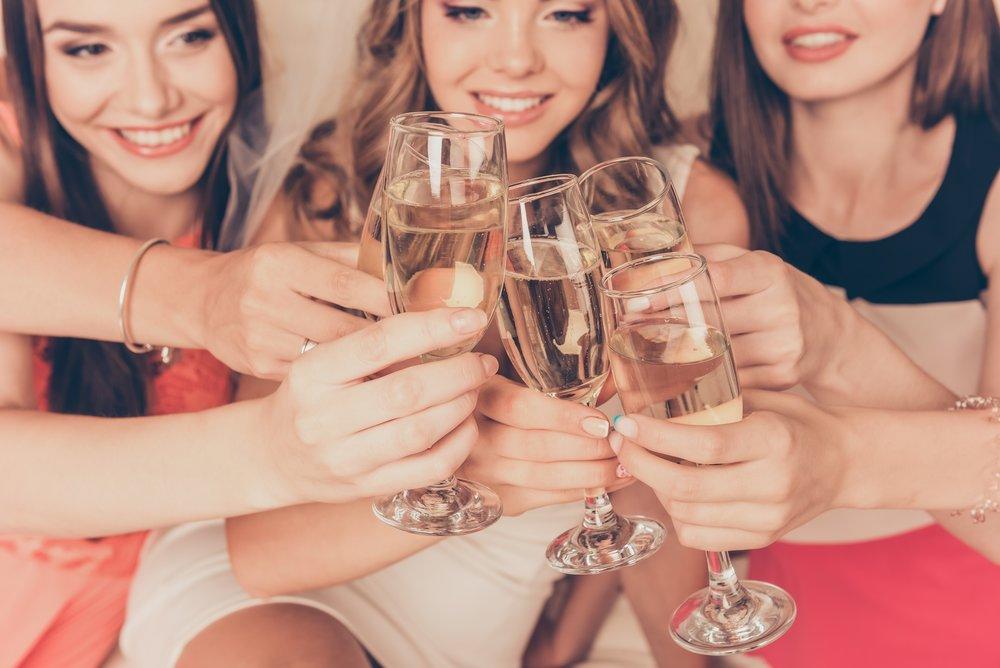 Vyberte si z nabídky za skvělé ceny - Perlivá vína se už dávno nepijí jen při slavnostních příležitostech. Zkuste si je vychutnat u večeře s partnerem nebo či na párty s přáteli!