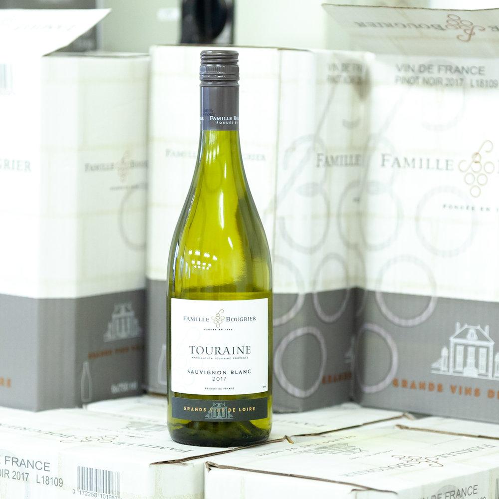Sauvignon Blanc Touraine - Špičkovévíno z věhlasné oblasti Loira jako vhodná a cenově výhodnější alternativa k Sancerre a Pouilly-Fumé.