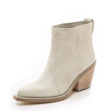 donna suede boot.