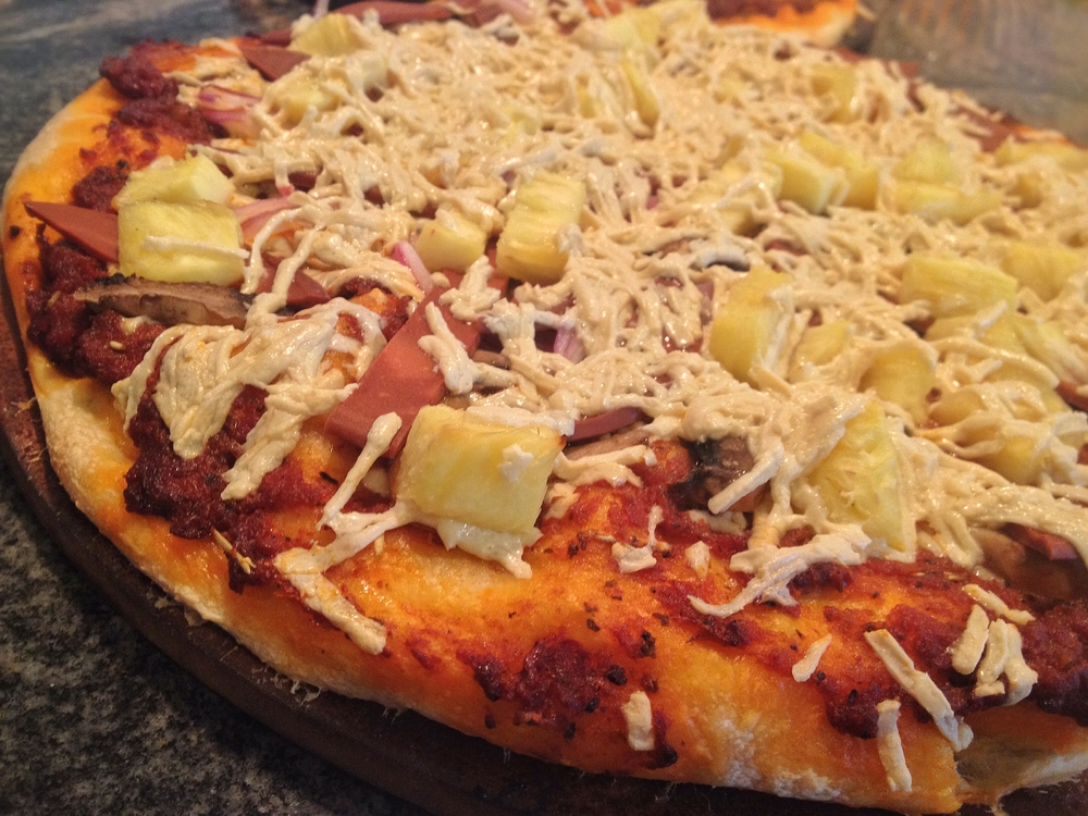 Pizza - Hawaiian Style - RT.JPG