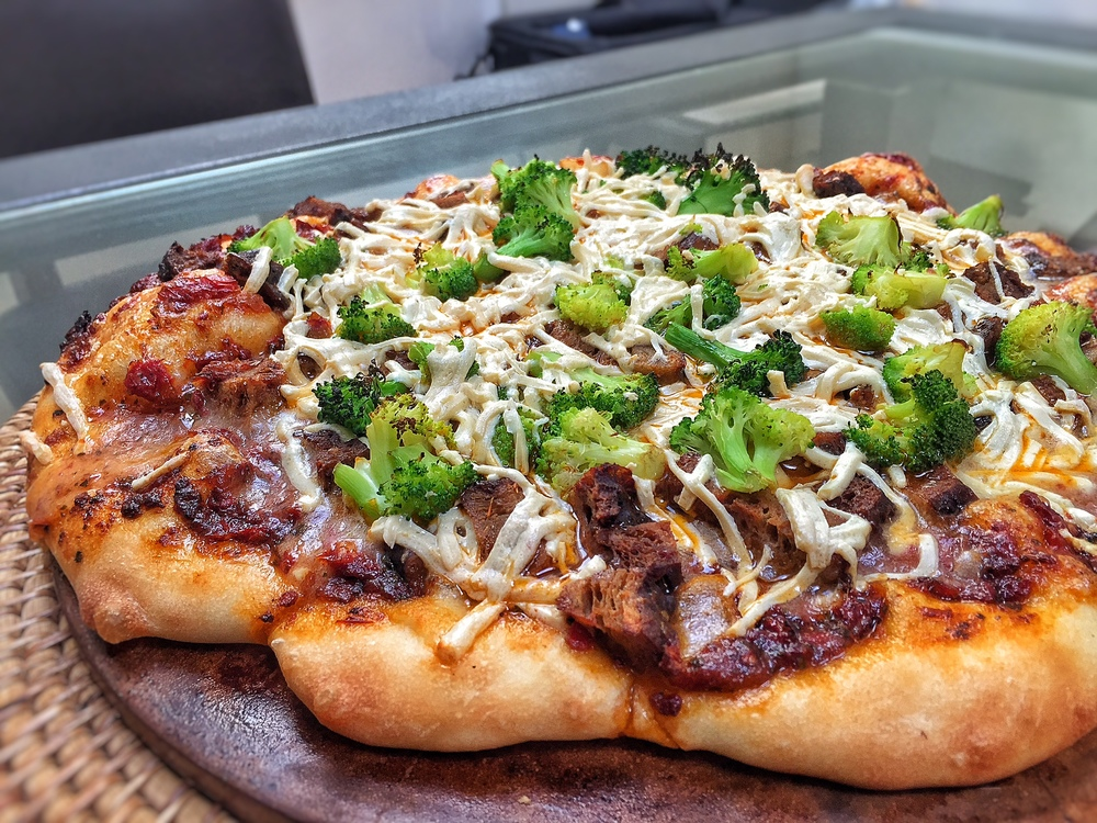 Pizza with Seitan, Broccoli and Daiya Cheese