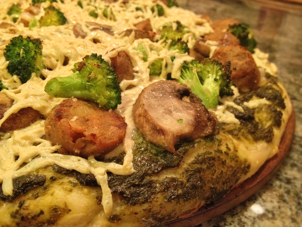Recipes veggie soul food pesto pizza with smoked apple sage sausage forumfinder Gallery