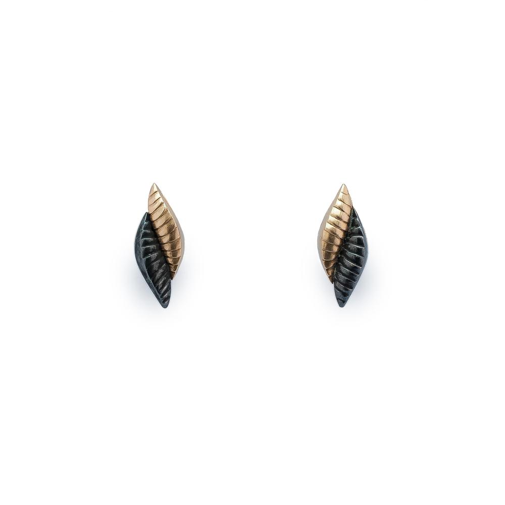 Snake earring short Final (1 of 2).jpg