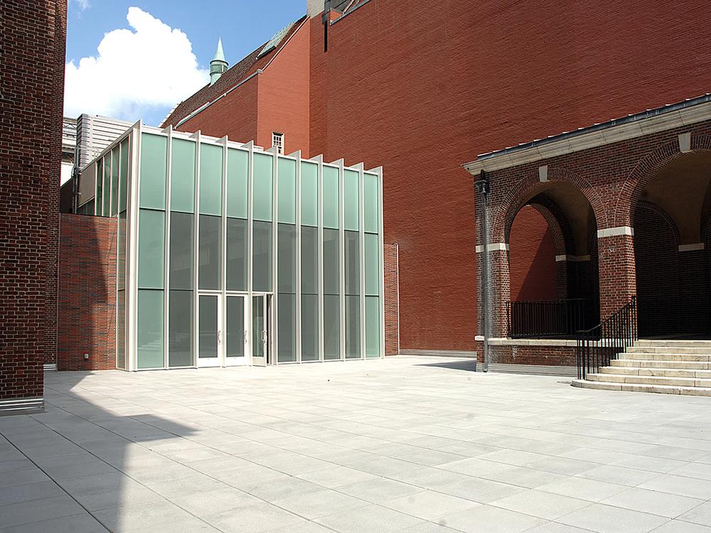 700x525 003 Exterior Court.jpg