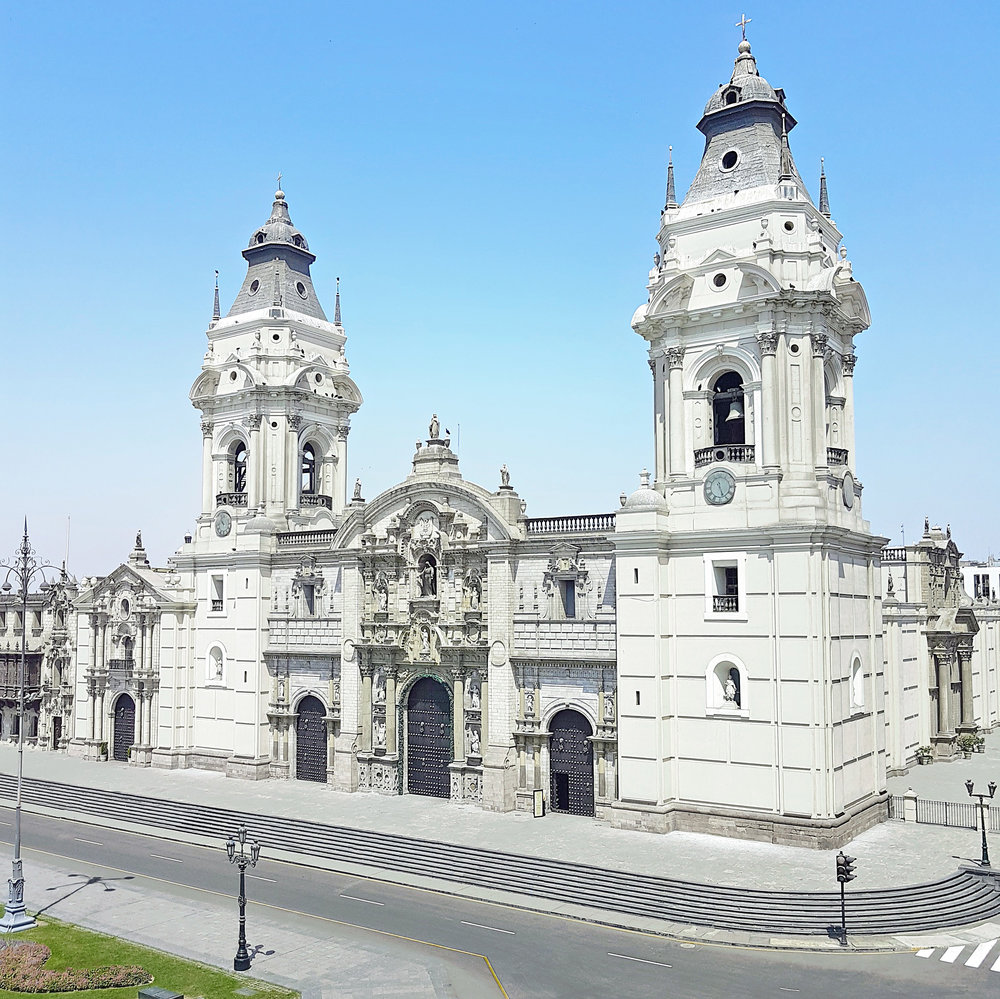 DannyZappa_DCI-Peru-Lima_PlazaDeArmas_01.jpg