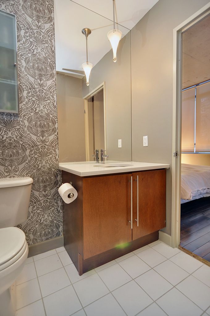 033_bathroom_view2.jpg