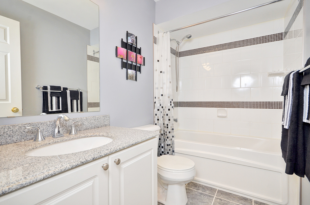 016bathroom1.jpg