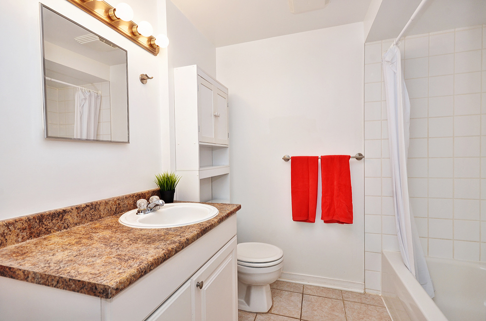 014bathroom1.jpg