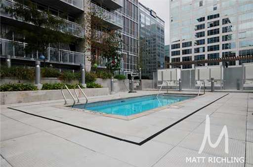 Mondrian-Pool.jpg
