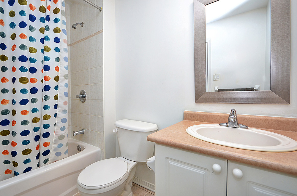 020bathroom2.jpg