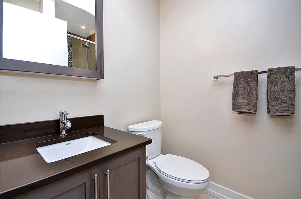 015bathroom2_view1.jpg