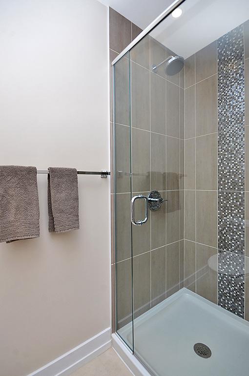 016bathroom2_view2.jpg