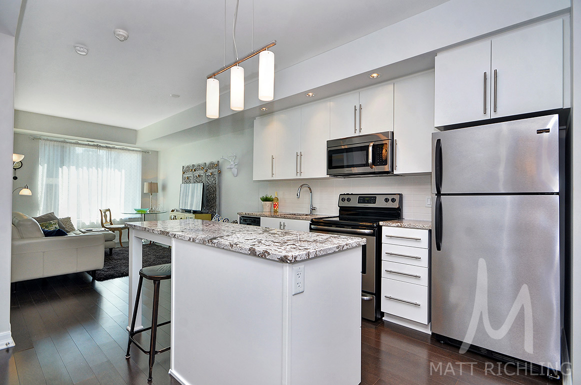 SOLD - Sandy Hill One Bedroom Plus Den With Parking — Matt Richling ...