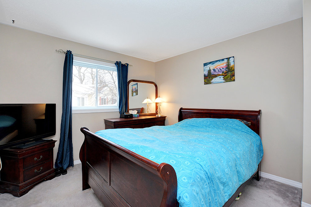 020bed2view1.jpg