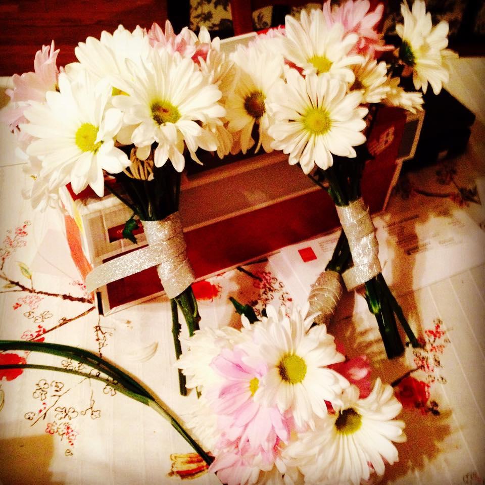 Daisy Pom Bouquets