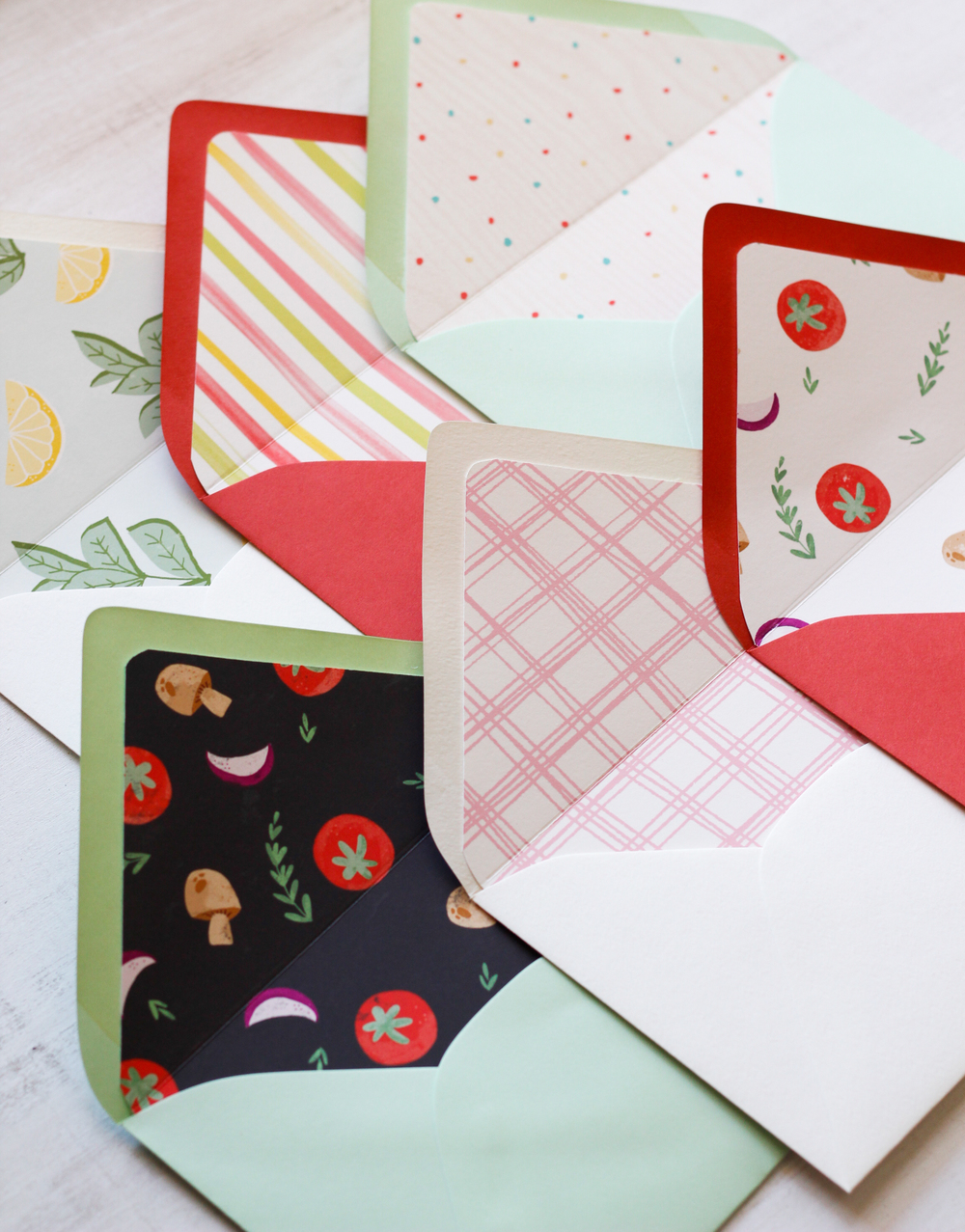 Free Download: Summer Party Envelope Liners — Very Sarie