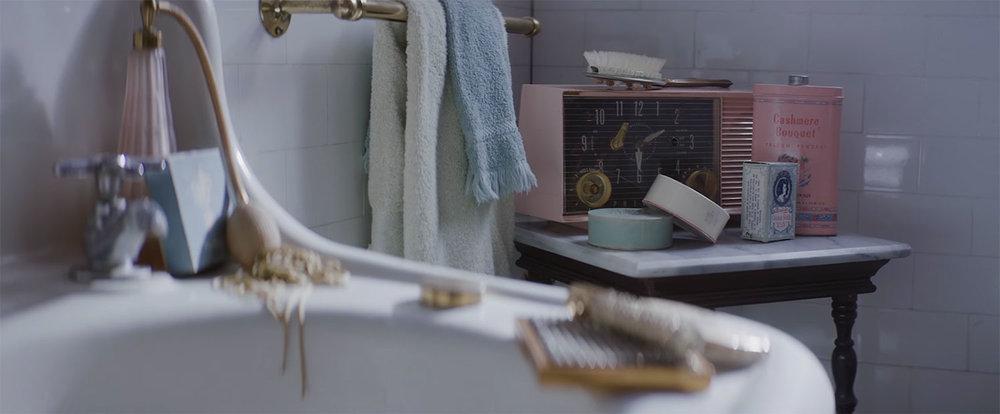 bathroomradio.jpg