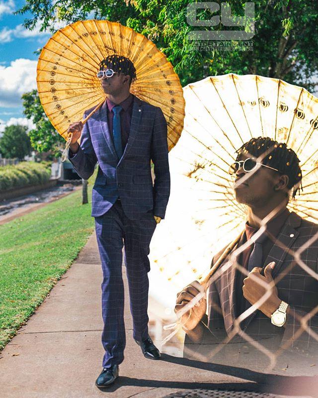 Nice day for walk 📸📸 Photographer: @c.y_entertainment  Model: @dau.dau_  Www.cyentertainment.com.au  #portrait #photography #model #canonphotography #bokeh #film #filmlens #autumn #sunshine #5dmarkiii