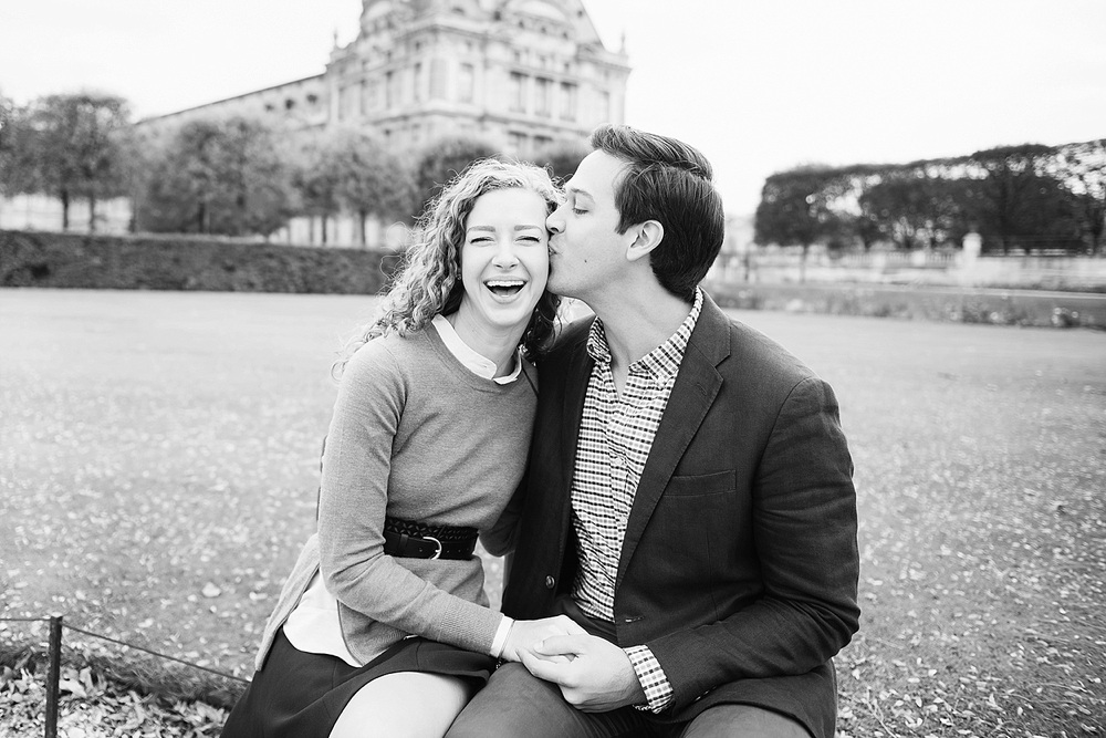 Katie_Mitchell_Paris_Lovers_Portraits_Photoshoot_Louvre_Tuileries_05.jpg