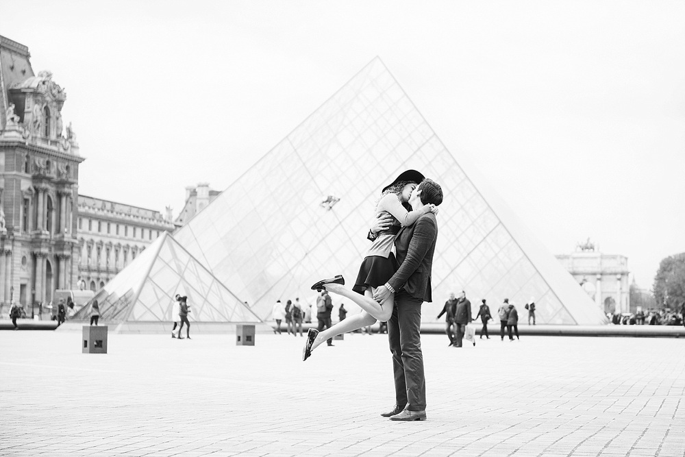 Katie_Mitchell_Paris_Lovers_Portraits_Photoshoot_Louvre_Tuileries_09.jpg