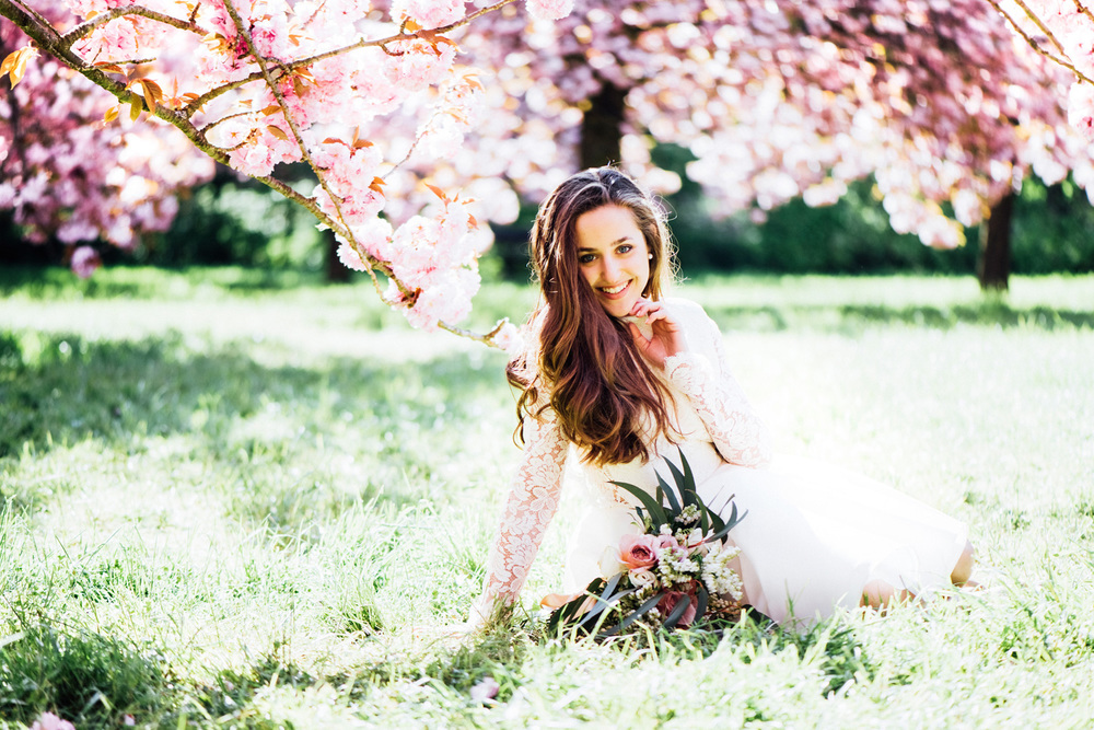 017-cherry-blossom-styled-bridal-shoot-paris-france.jpg