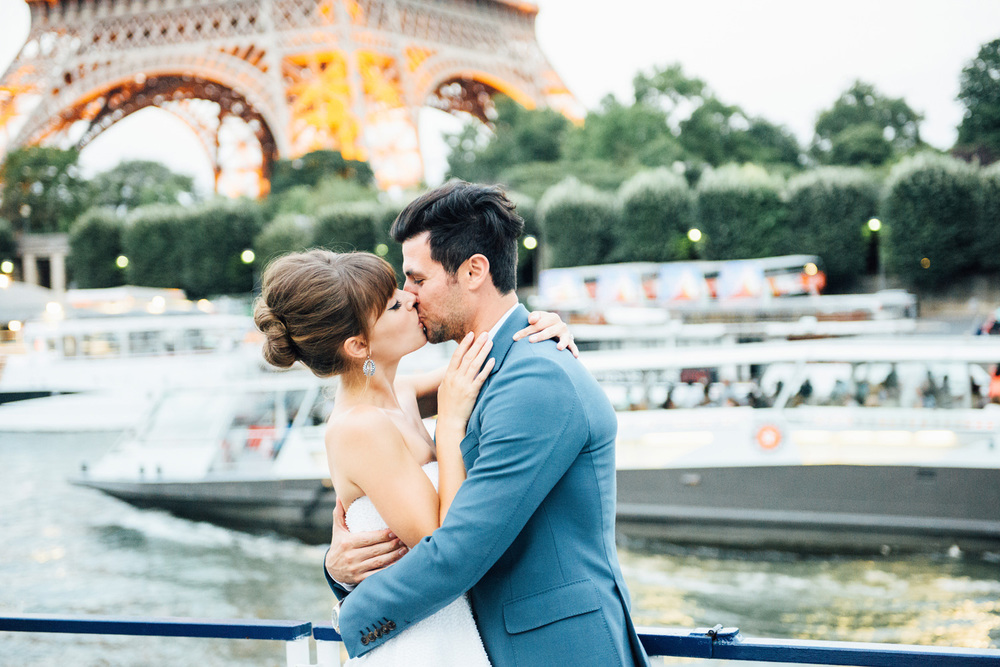 068-sunset-boat-cruise-wedding-in-paris-katie-mitchell-photography.jpg