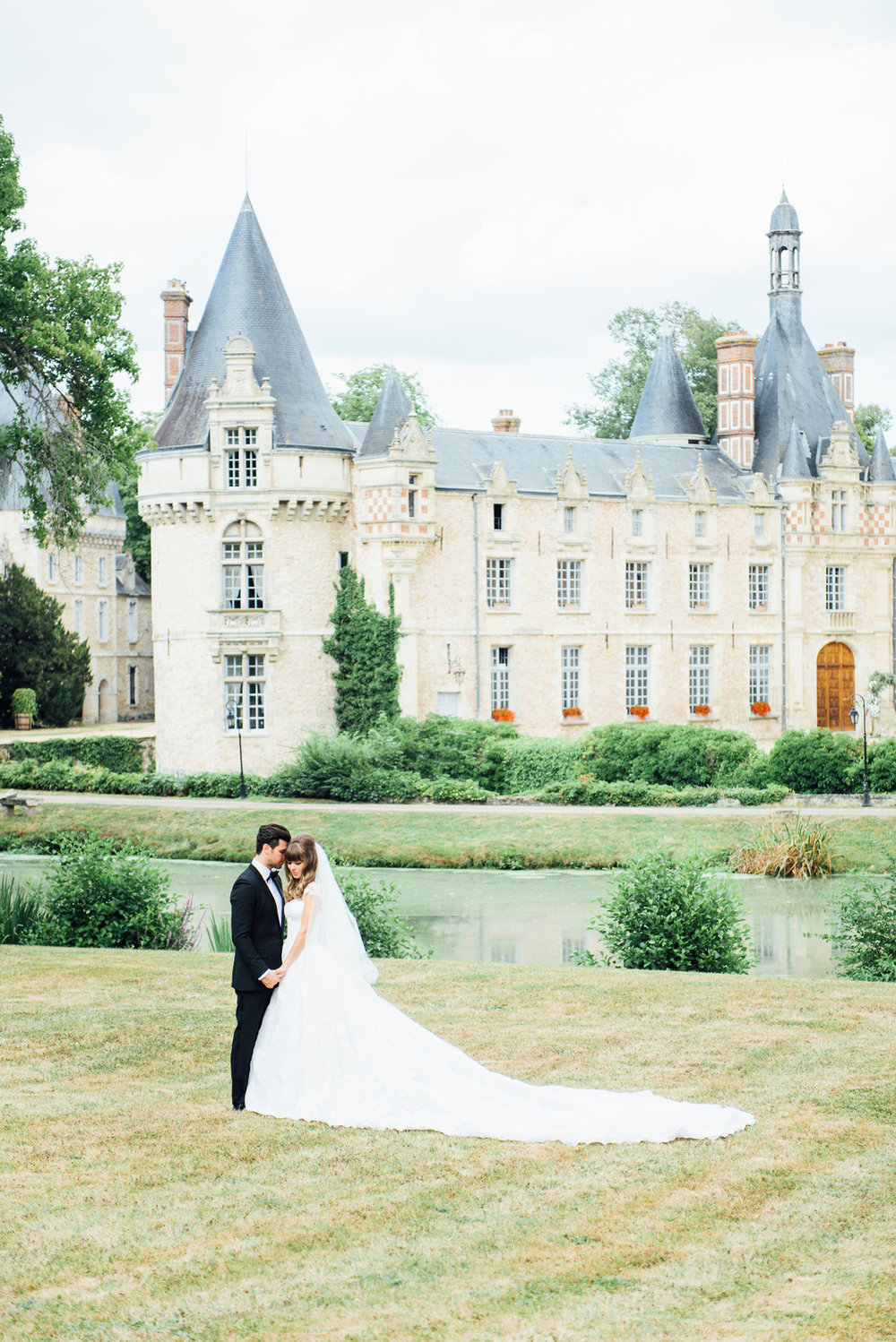 102-katie-mitchell-chateau-wedding-paris-france.jpg