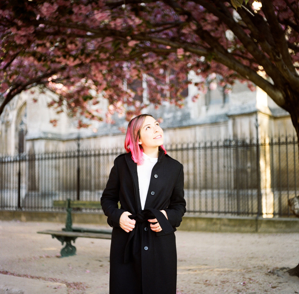 094-katie-mitchell-paris-portrait-photographer-cherry-blossoms-france.jpg